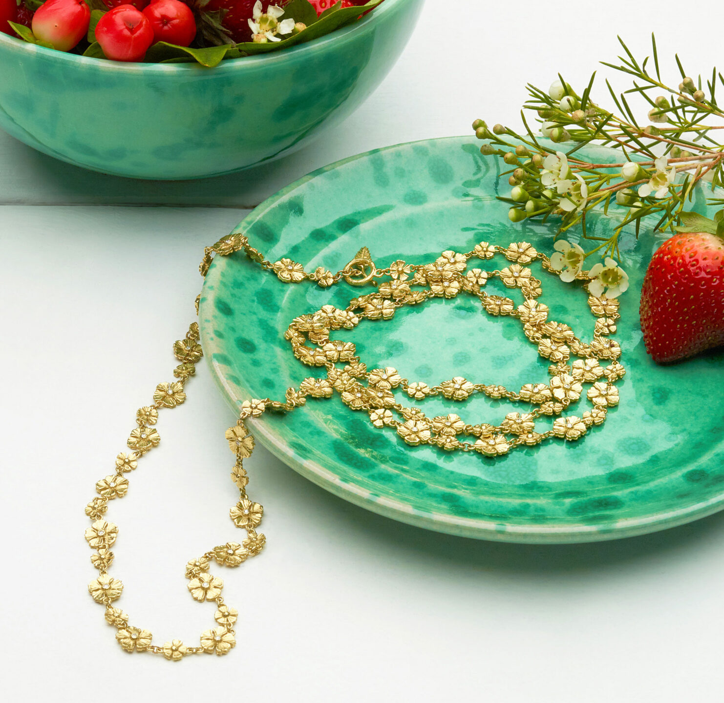 mish_necklaces_StrawFlwr-Classic-42'-NK-Editorial-2