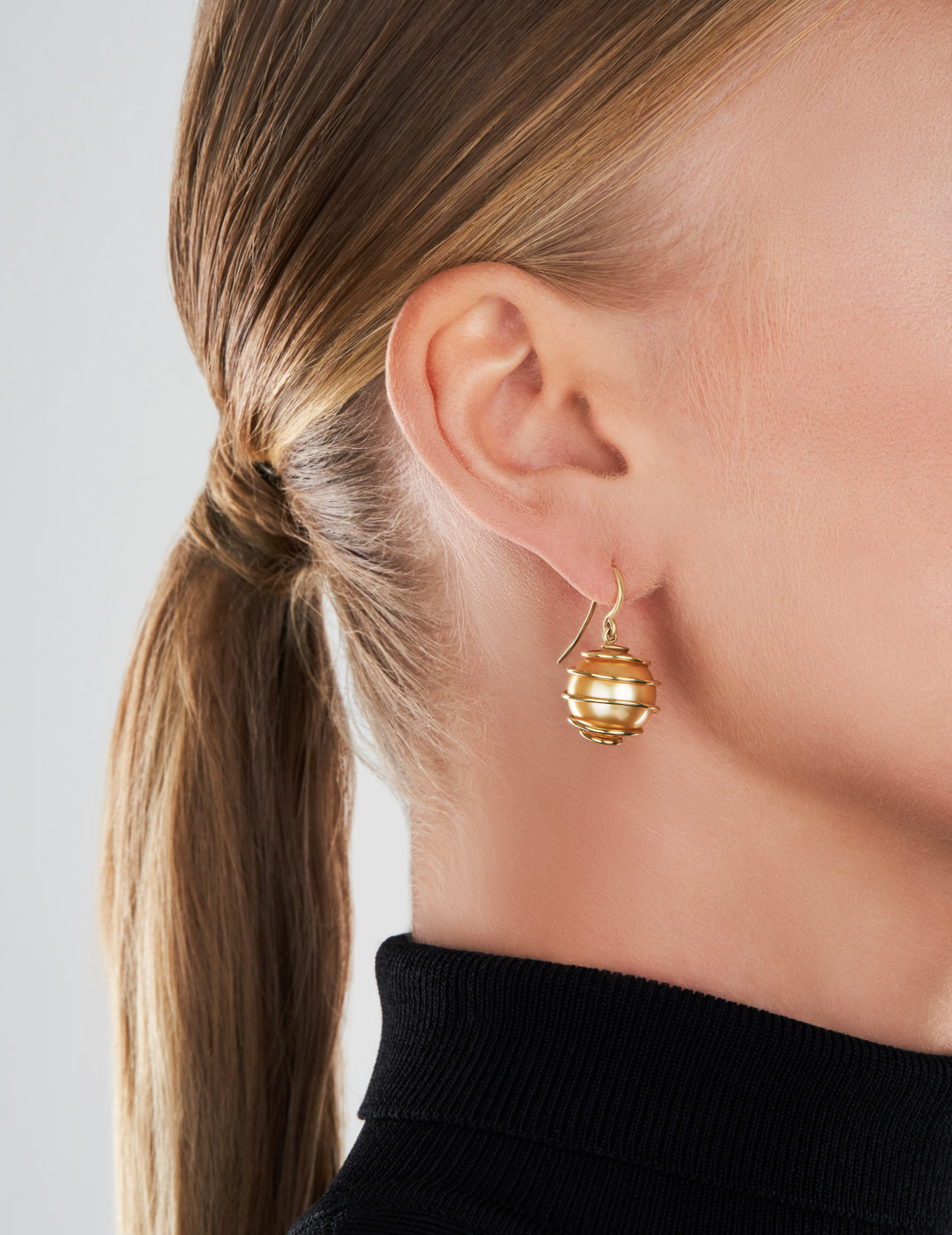 mish_products_earrings_Orbiting-Prl-Golden SS-ER-2