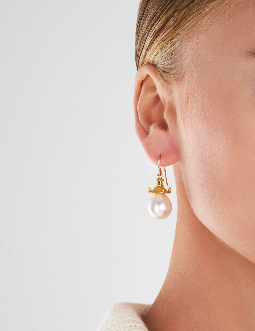 mish_products_earrings_Pagoda-White SS Prl-ER-2