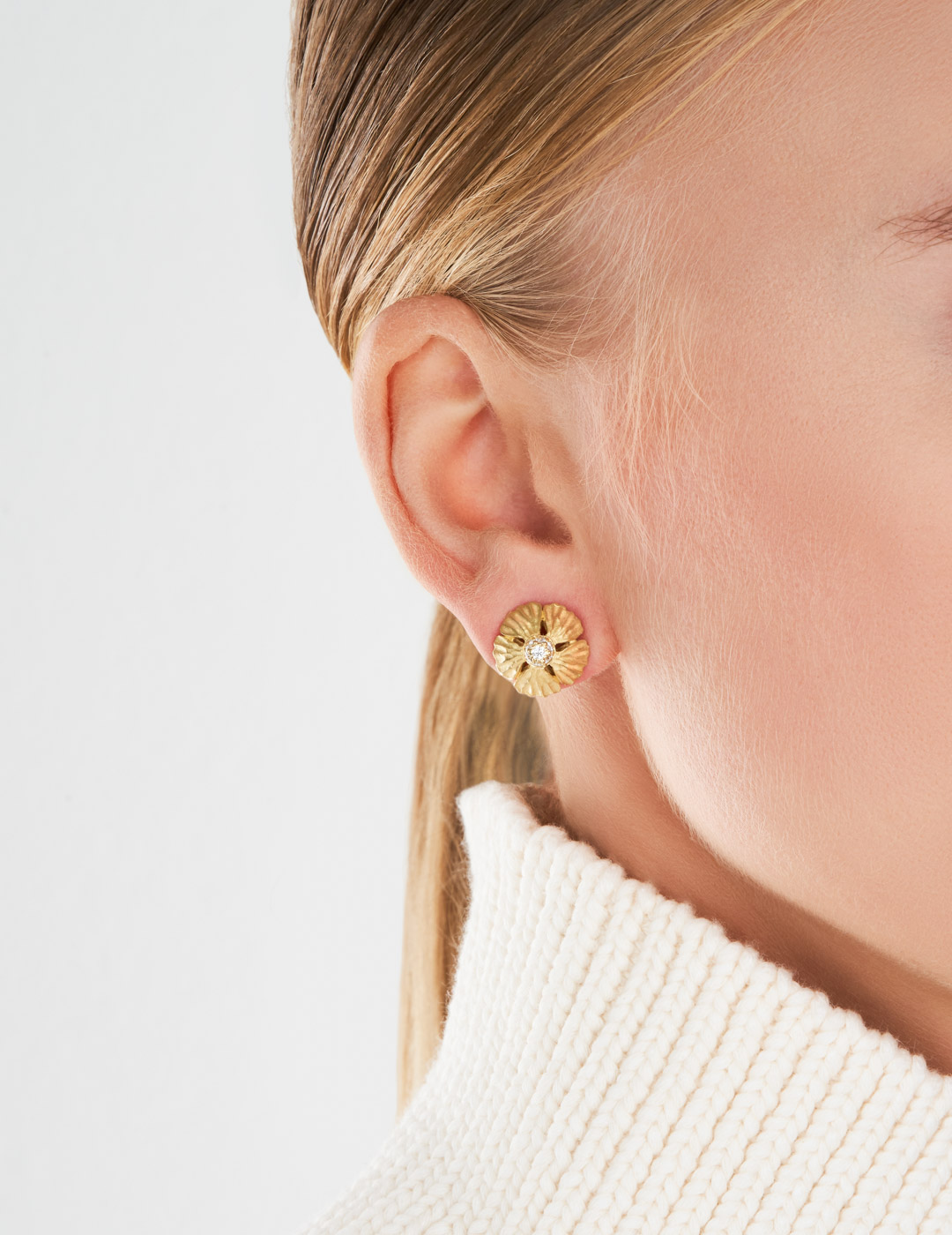 mish_products_earrings_StrawFlwr-Dome-Lg Stud-ER-2