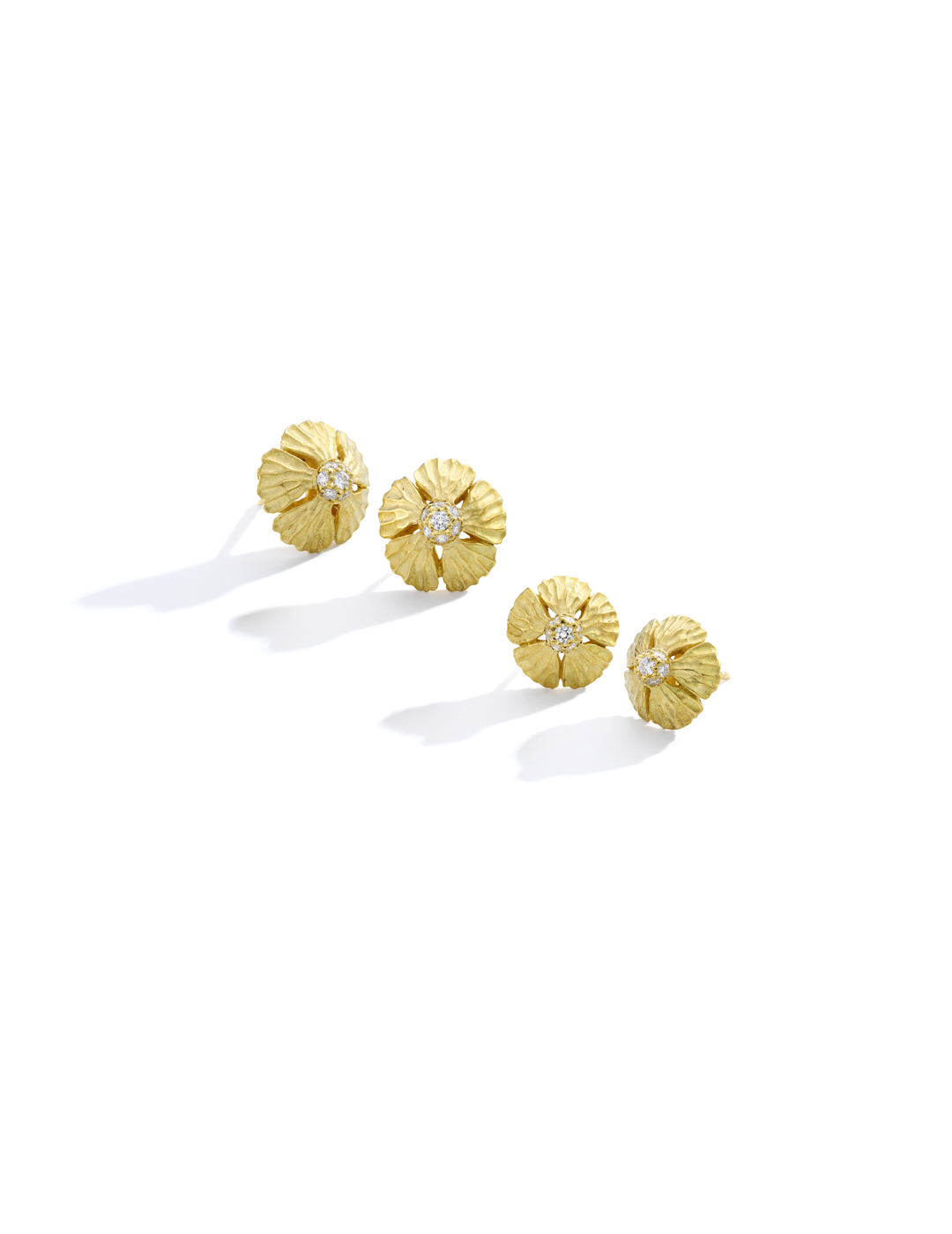 mish_products_earrings_StrawFlwr-Dome-Med Stud-ER-Editorial-1