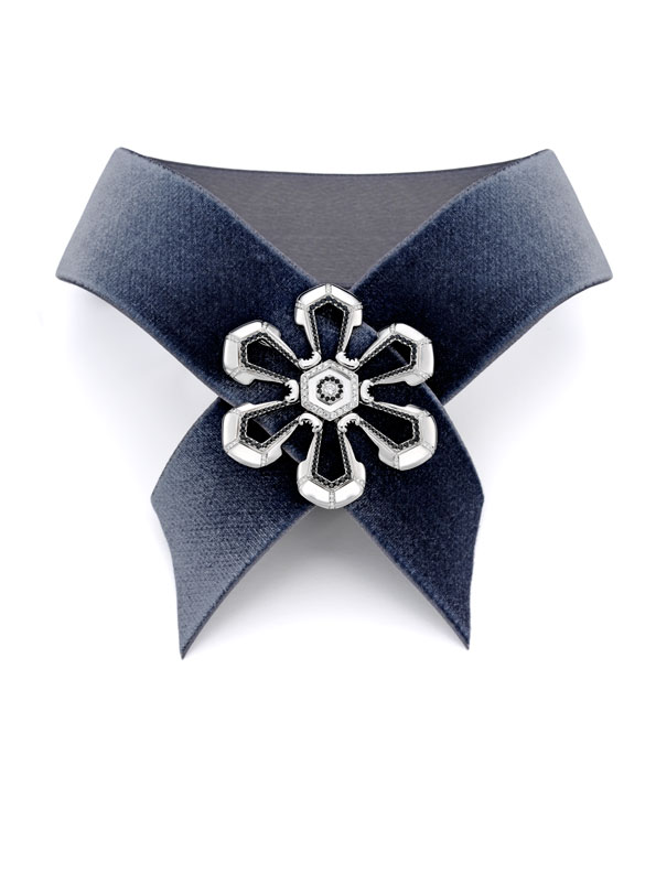 Snwflk-E-Ribbon-Collar